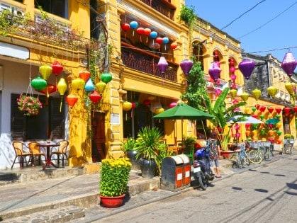 Hoian-Ancient-town-colourful-houses.-UNESCO-heritage-site.-Vietnam
